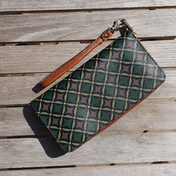 Fossil wallet with small detachable strap